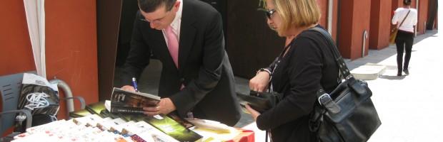 Firmando ejemplares