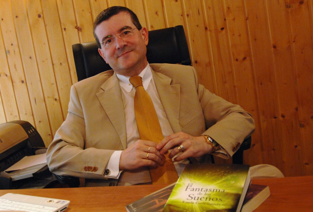 Empresario y novelista