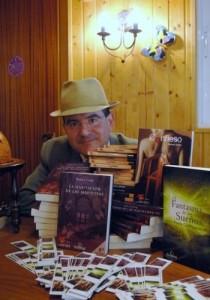 Rodeado de algunos de mis libros