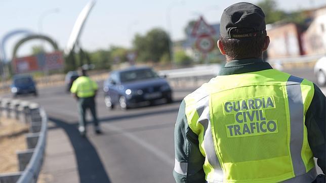 #la guardia civil cobra por poner multas