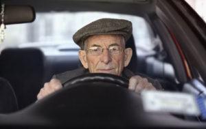 #Restricciones para conducir a mayores